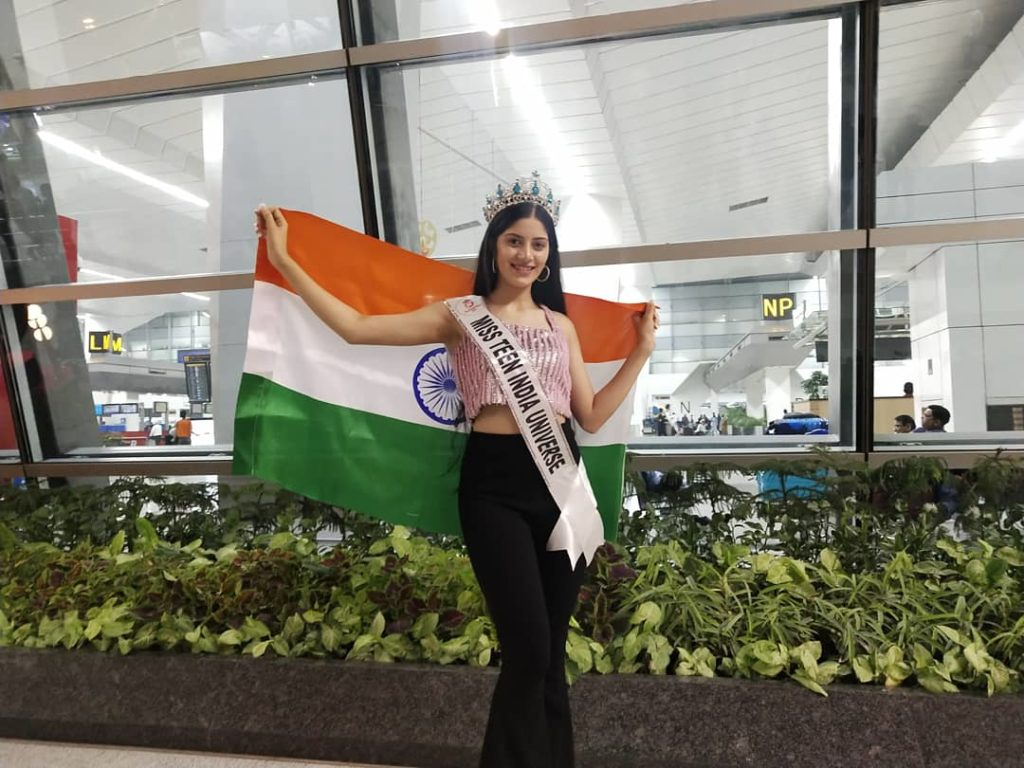 A moment captured before Vridhi Jain left for Mexico to represent India at Miss Teen Universe 2019 contest.
