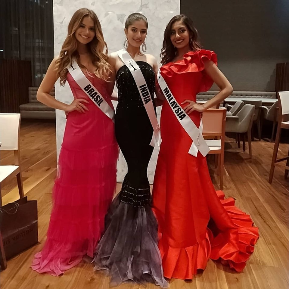 Miss Teen India Universe 2019, Vridhi Jain with Miss Teen Brazil Universe 2019  and Miss Teen Malaysia Universe 2019 at AC Hotels by Marriott Santa Fe.