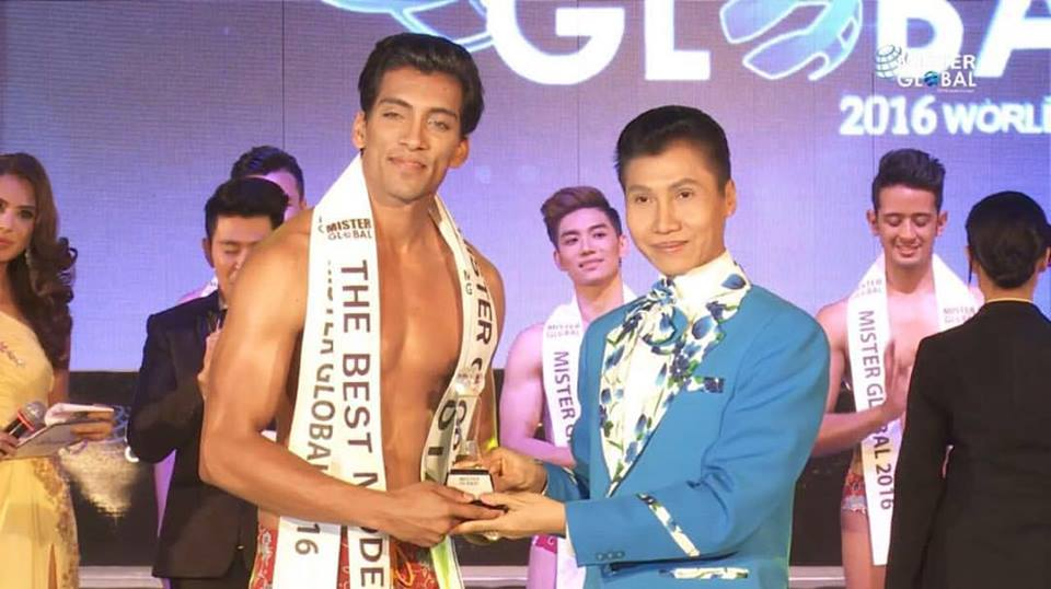 Prateek Baid while receiving the The Best Mode award in Thailand.