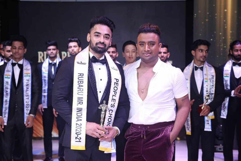 Gopinath Ravi also won People's Choice award at Rubaru Mr. India 2020-21 competition, after receiving maximum votes. Celebrity choreographer and fashion director, Karun Raman presented him the prestigious award at the finale.